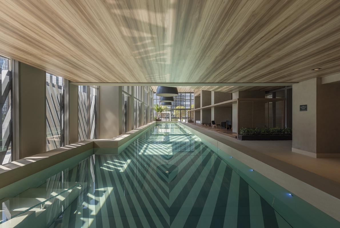 hotelovy-bazen-VHouse-Agosto-2017-_Basalt-Beige_Barro.jpg