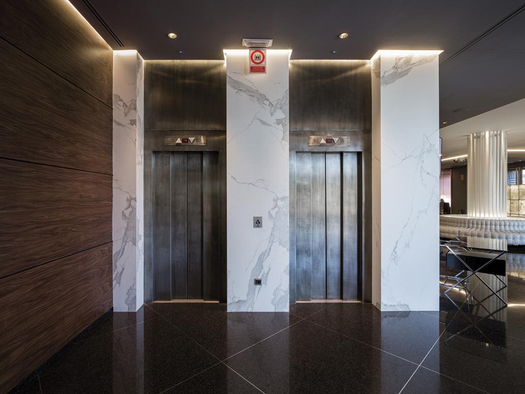 interierovy-obklad-hotelovych-vytahov.jpg