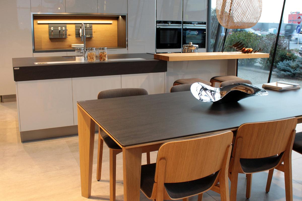 keramicka-stolova-doska-basalt-black.jpg