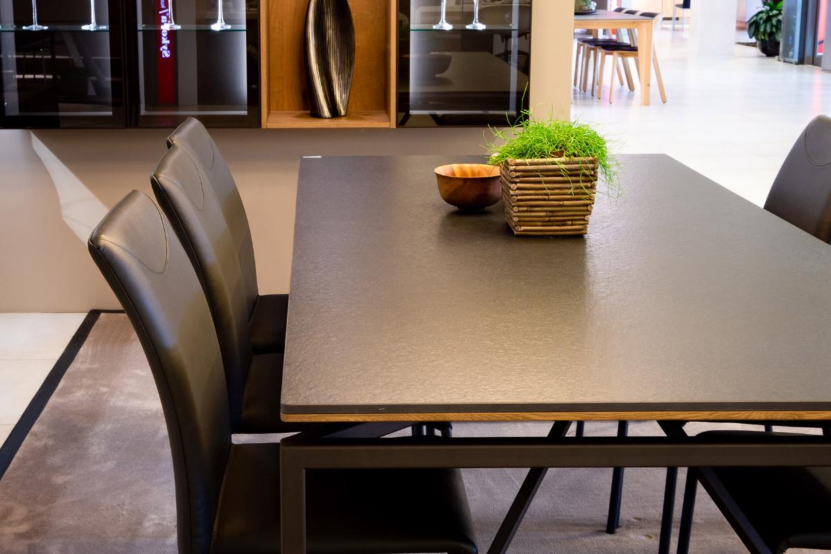 struktovany-povrch-stola-polygon.jpg